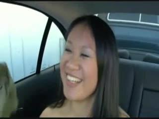 Азиатская в моей машине