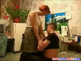 мамаша и молодой любовник