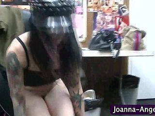 Порнозвезда гардеробная дрочит