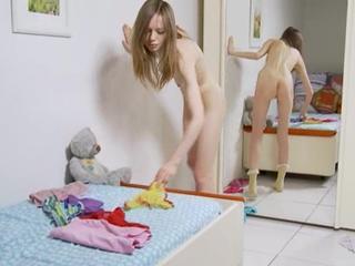 Стриптиз и раздеваться для зеркала