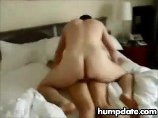 Cuckolds жена трахается и creampied
