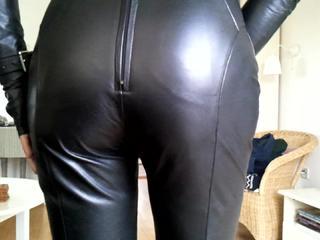 Сисси сексуальная кожа девушки 1